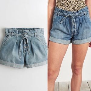 Hollister Ultra High Rise Paperbag Mom Jean Shorts